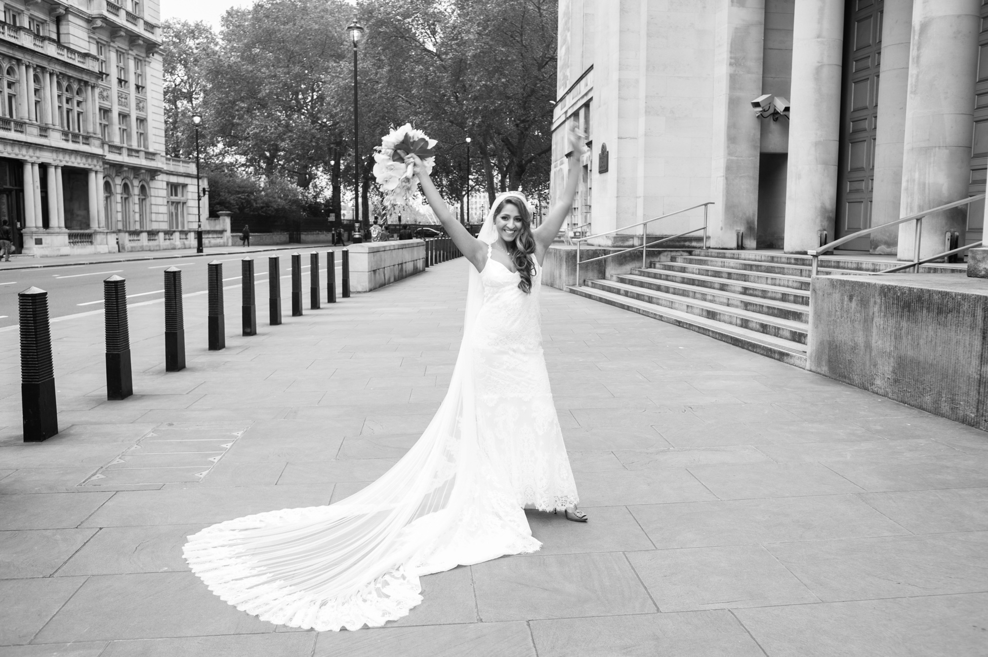 claire pettibone bride at banqueting house london wedding